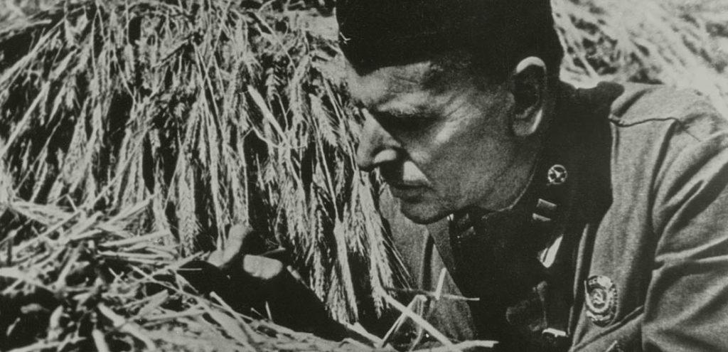 Титульное изображение Паустовский на войне